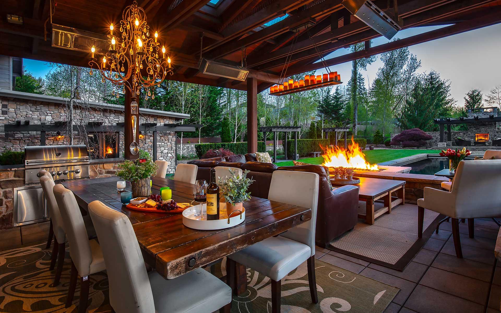 Iconic Hillcrest Lodge photo