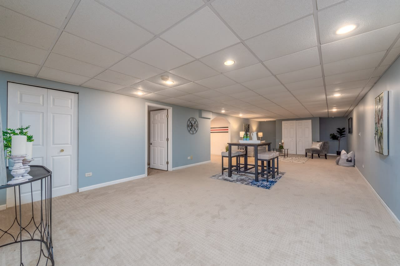 34 Country Club Dr photo