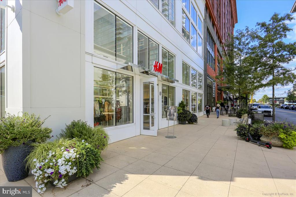 930 Rose Ave #1708 photo