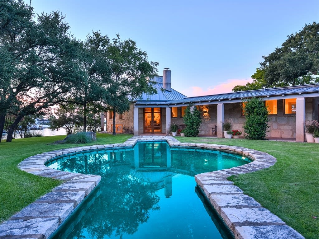 205 Bay Point Dr