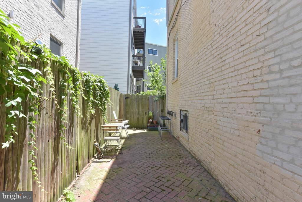 1443 Oak Street NW photo