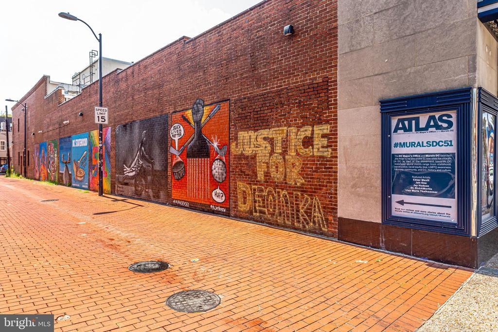 1325 Linden Court NE photo