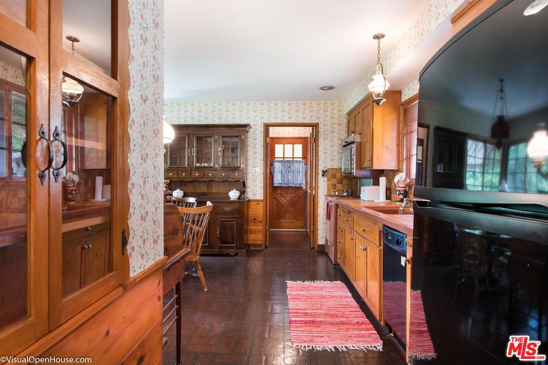 Charming 2 Bedroom Cottage in Studio City photo