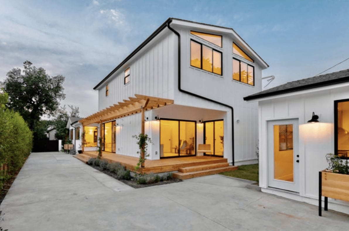 Modern Farmhouse Compound