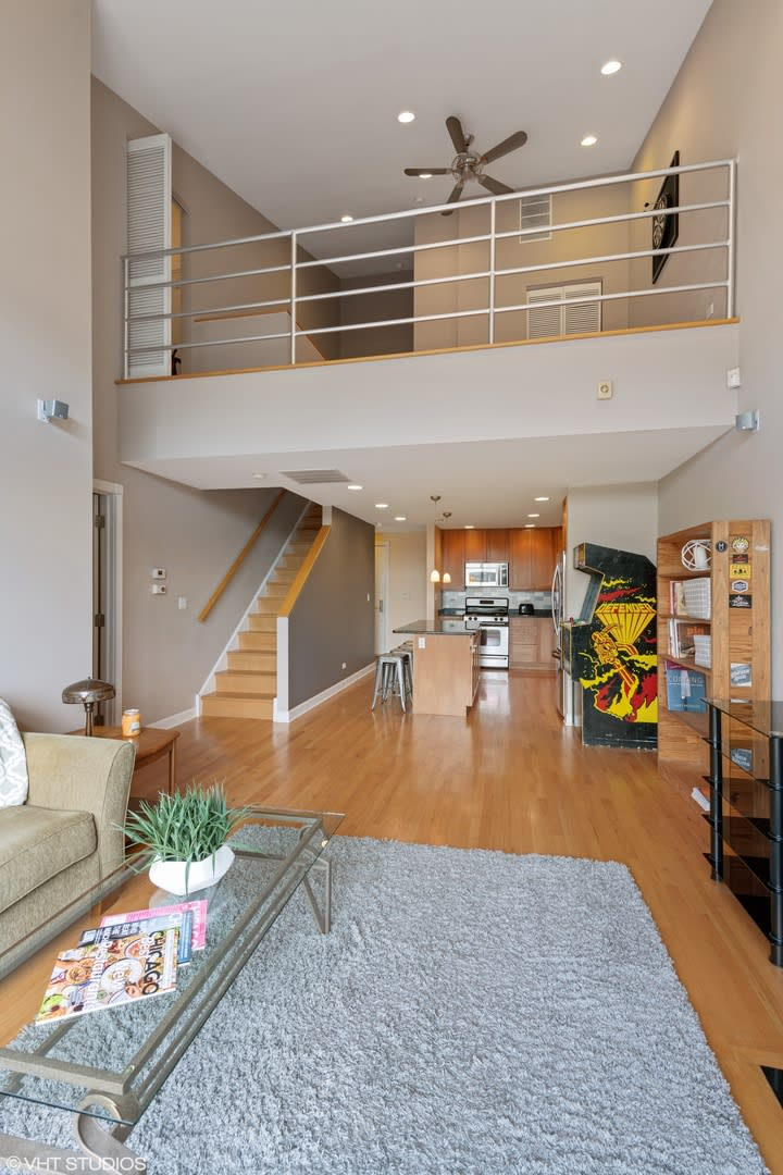 2555 W. Leland Ave. #303 preview