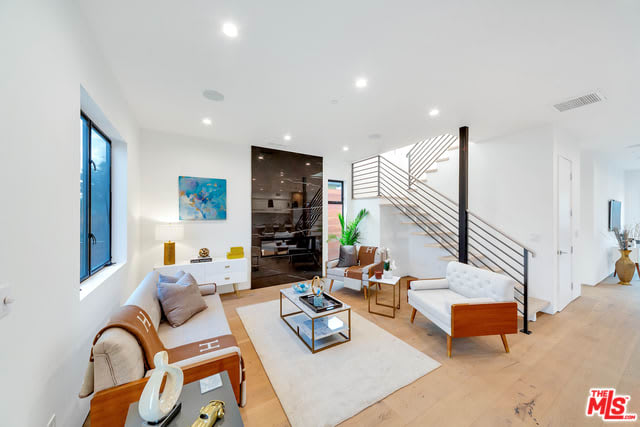 815 Commonwealth Ave preview