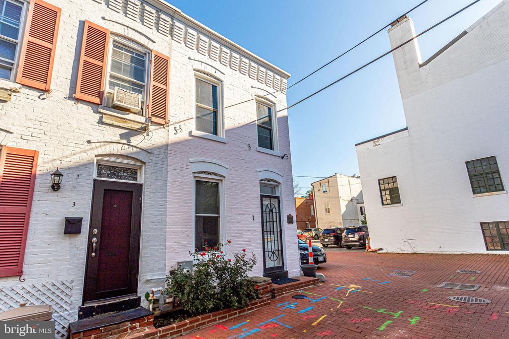 1 Terrace Court photo