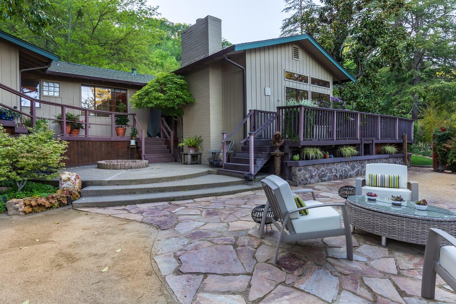 Fabulous single-story home located on the Westside of Alamo