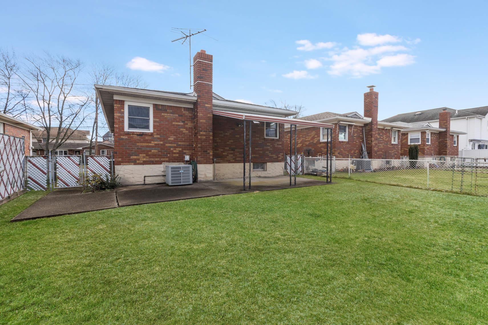 210 Collfield Ave photo