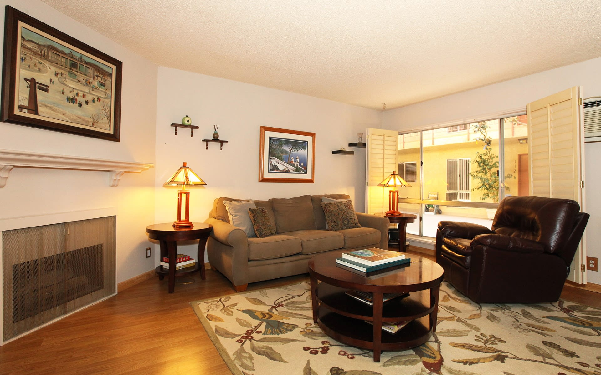 837 N West Knoll Dr #119 photo