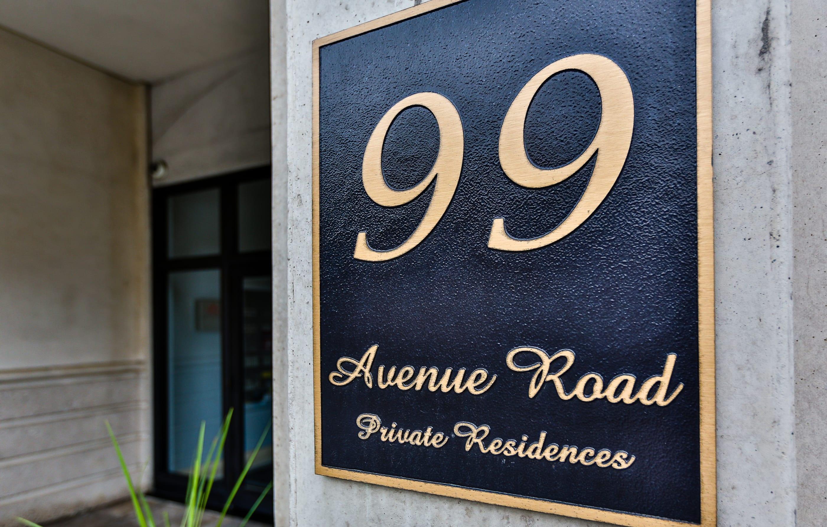99 Avenue Road 706