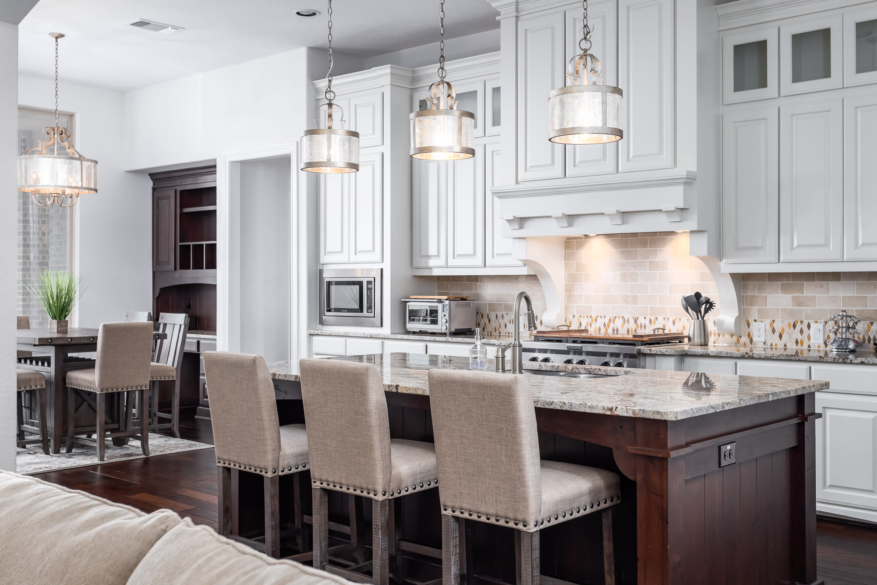 The Graves Group! | Live Life Luxuriously! | 8018 Vanity ...