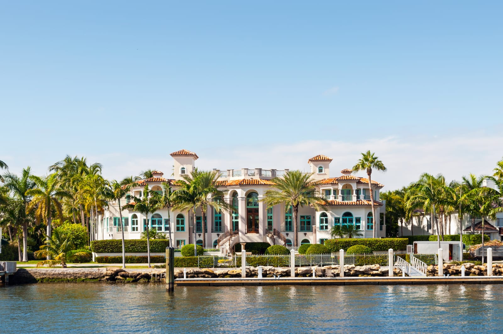 luxury waterfront homes