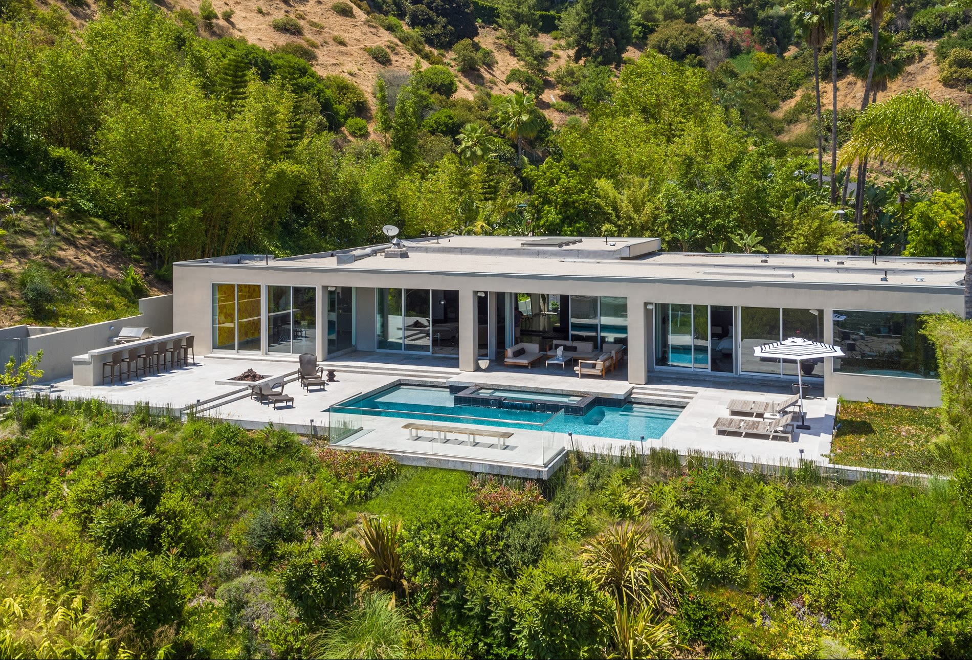 Single Family Home for Sale at 530 Leslie Ln 530 Leslie Ln Beverly Hills, California,90210 United States