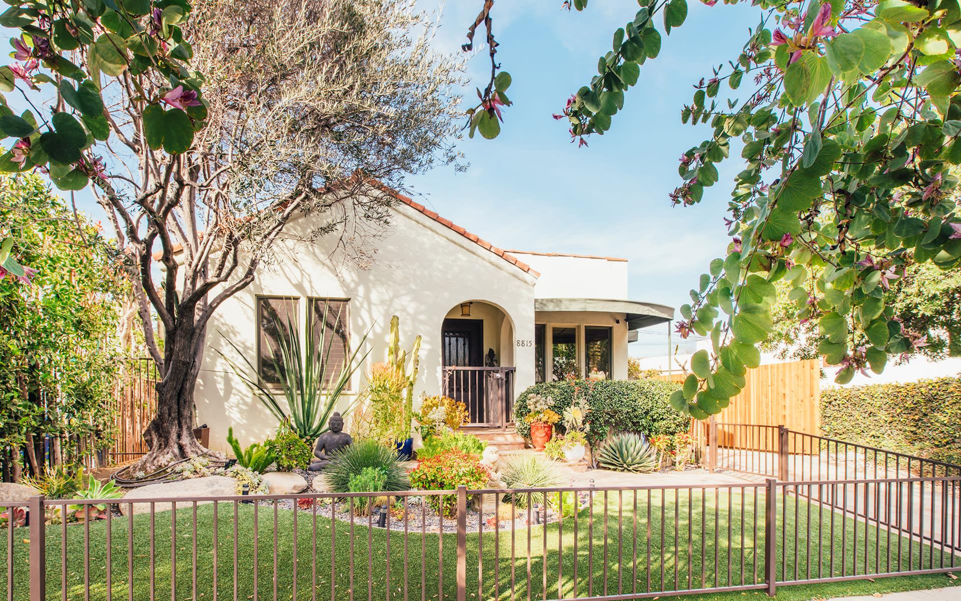 Maison unifamiliale pour l Vente à 8815 Rosewood Ave 8815 Rosewood Ave West Hollywood, Californie,90048 États-Unis