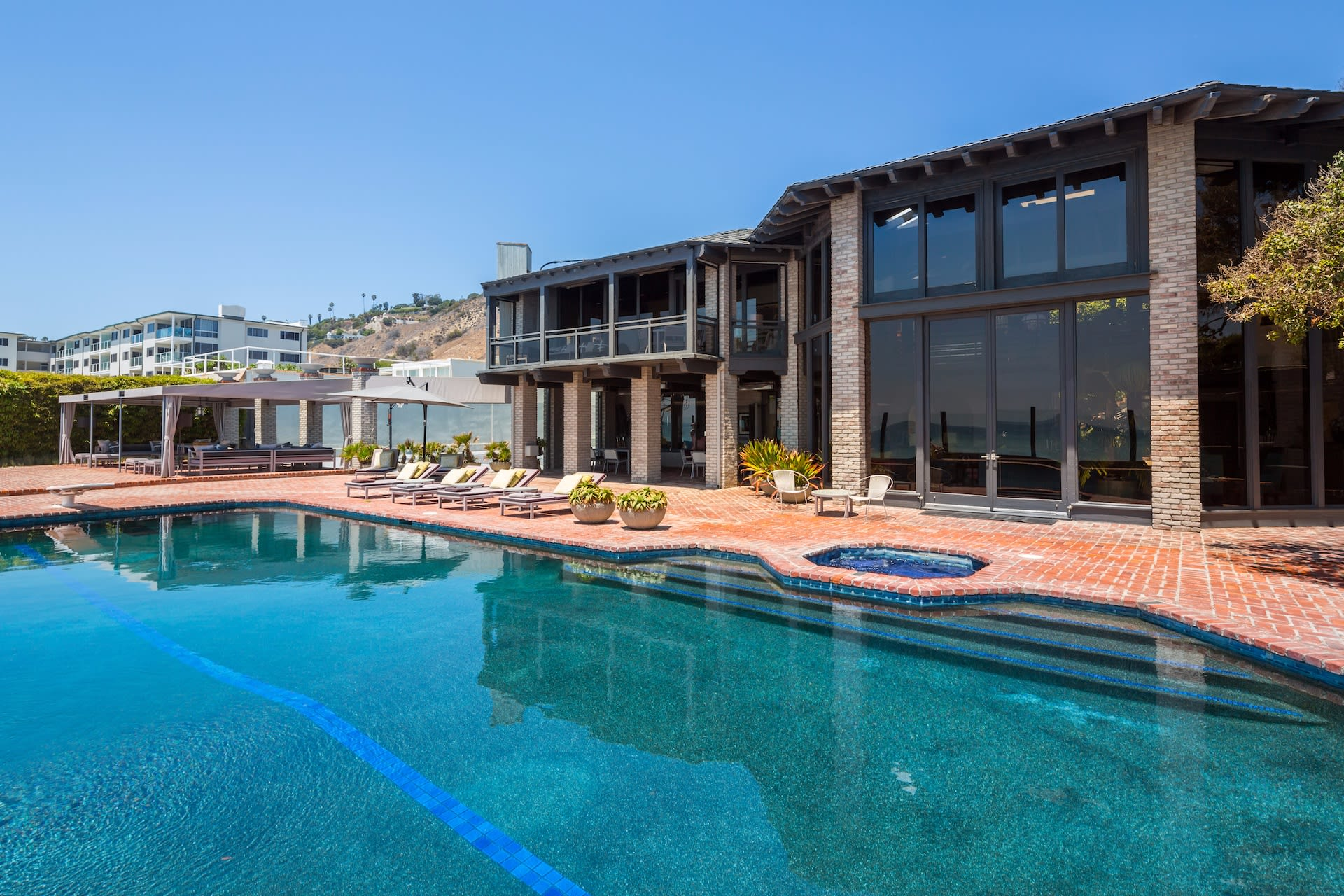 Single Family Home for Sale at 22506 Pacific Coast Hwy 22506 Pacific Coast Hwy Malibu, California,90265 United States