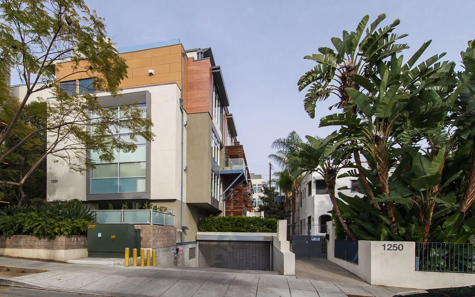 Eigentumswohnung für Verkauf beim 1250 N Harper Ave #411 1250 N Harper Ave #411 West Hollywood, Kalifornien,90046 Vereinigte Staaten