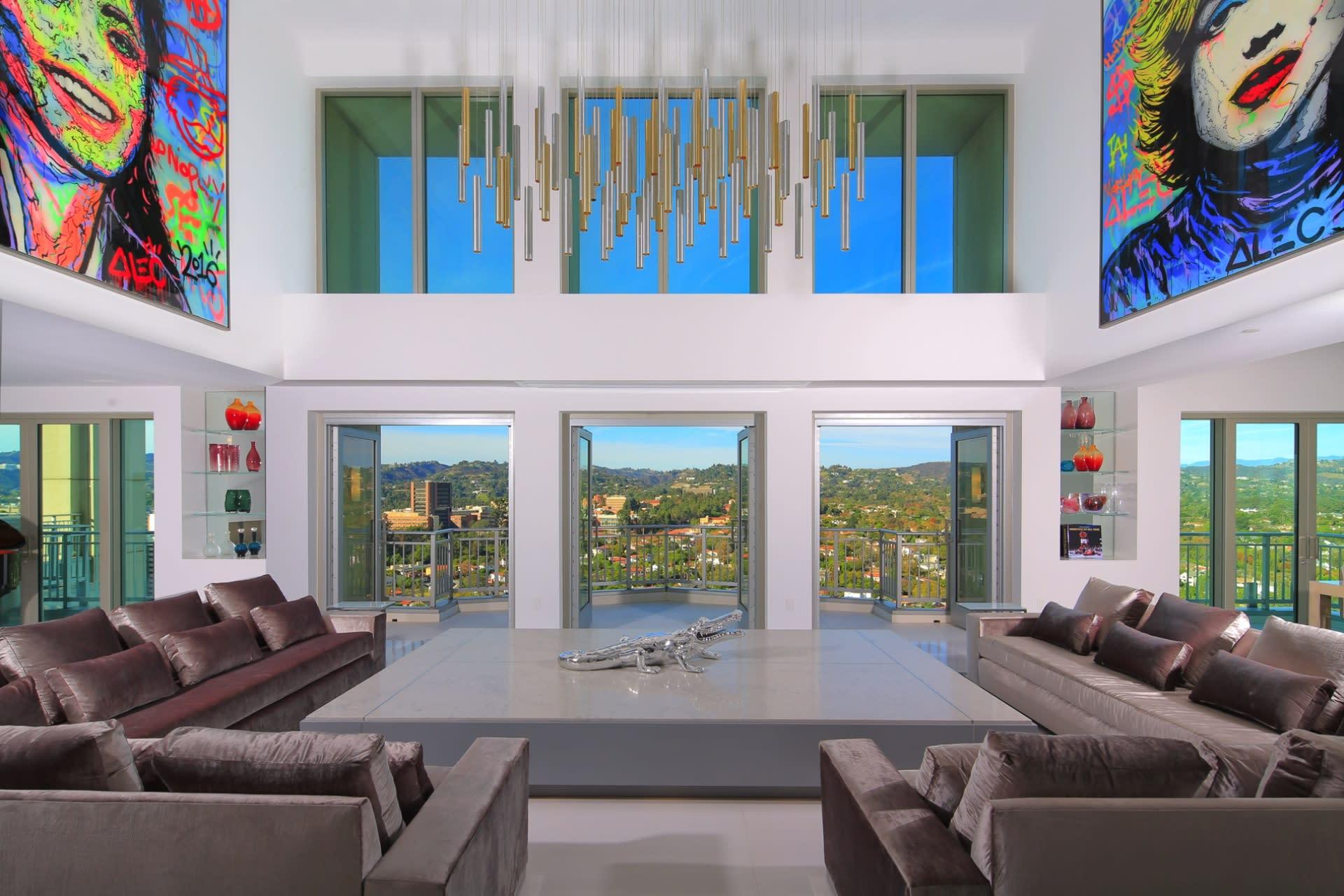 Copropriété pour l Vente à 10990 Wilshire Blvd 10990 Wilshire Blvd Los Angeles, Californie,90024 États-Unis