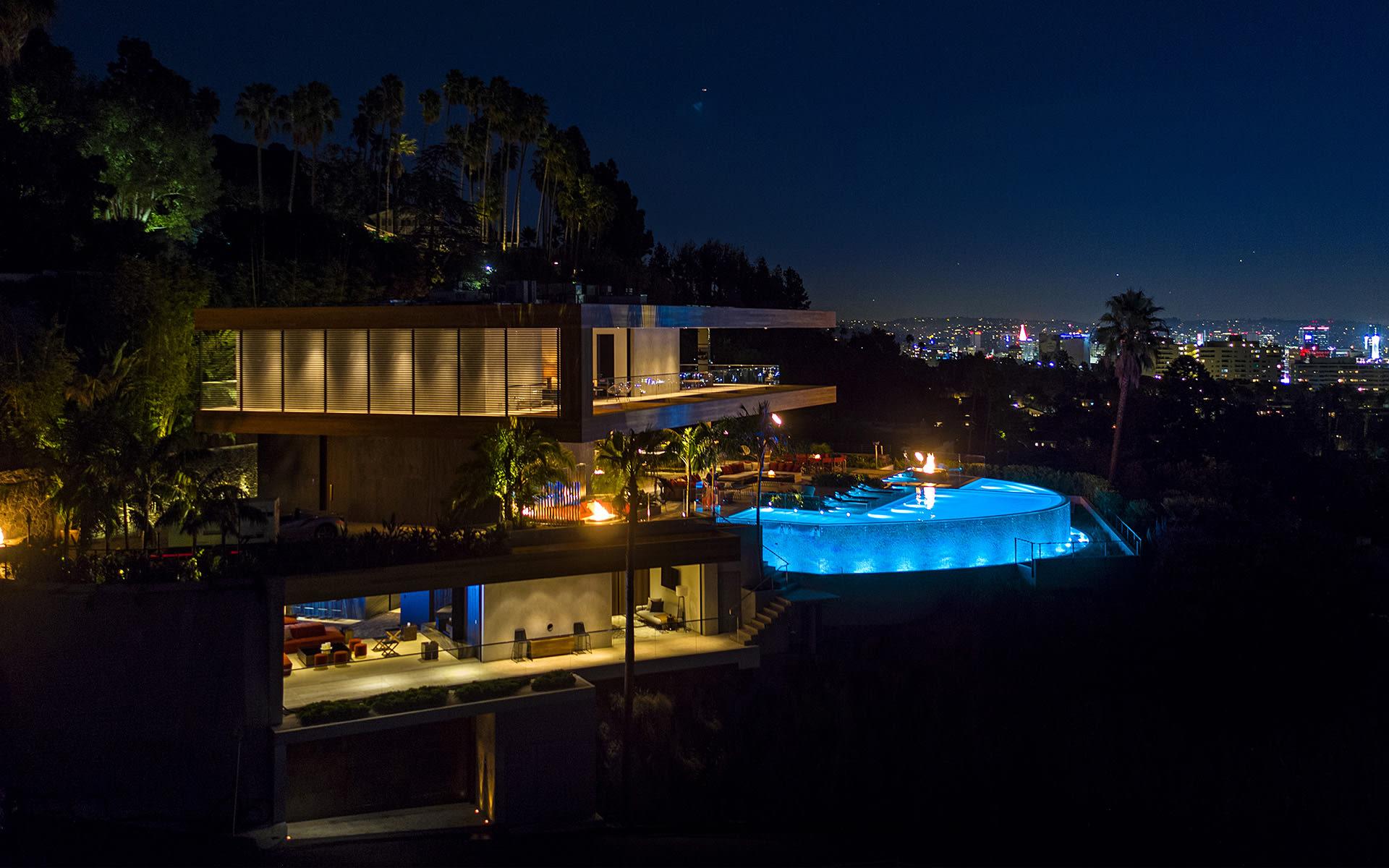 Maison unifamiliale pour l Vente à 1894 N Stanley Ave 1894 N Stanley Ave Los Angeles, Californie,90046 États-Unis