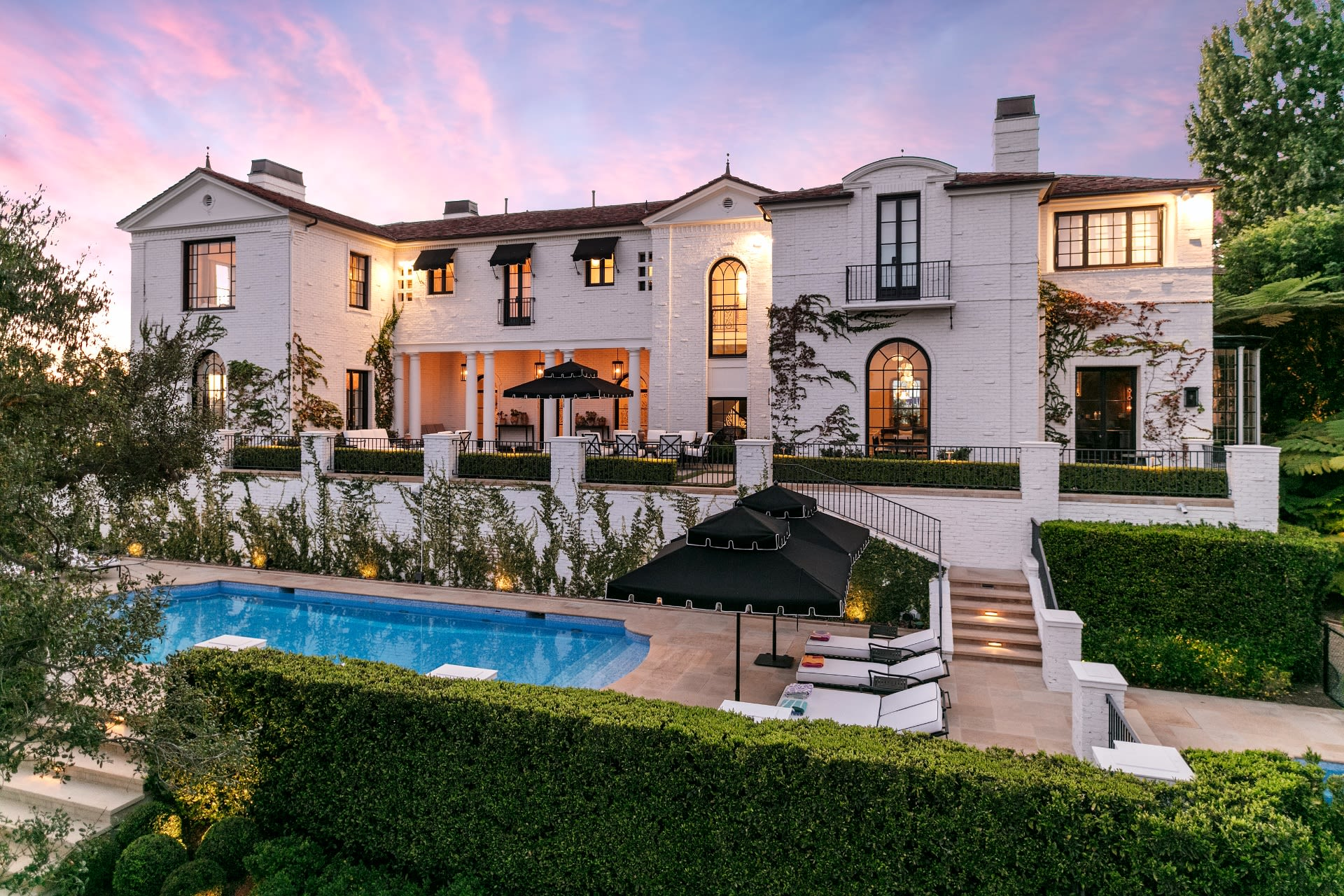 Maison unifamiliale pour l Vente à 10778 Chalon Rd 10778 Chalon Rd Los Angeles, Californie,90077 États-Unis