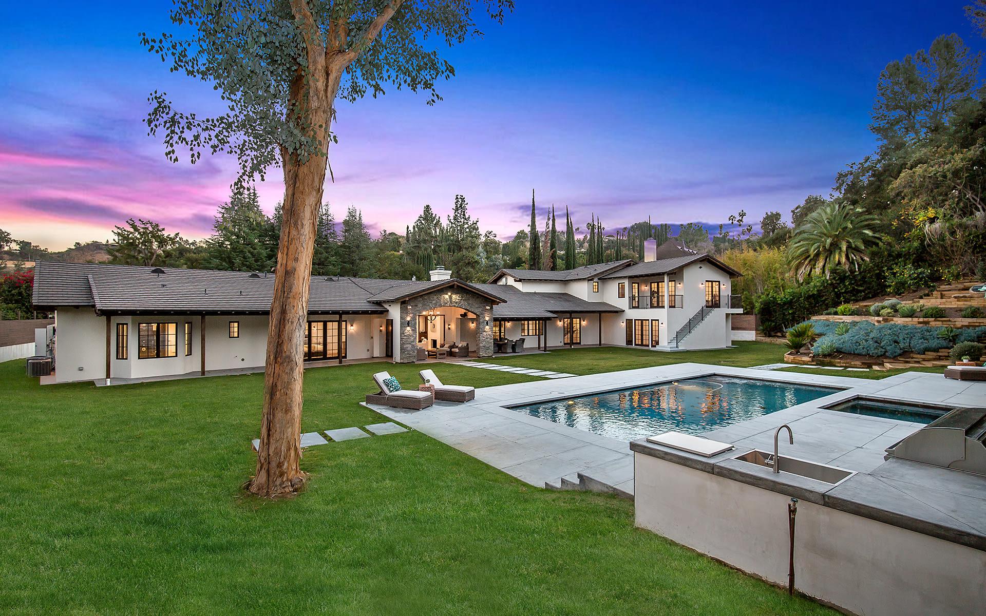 Casa para uma família para Venda às 3907 Sepulveda Blvd 3907 Sepulveda Blvd Sherman Oaks, Califórnia,91403 Estados Unidos