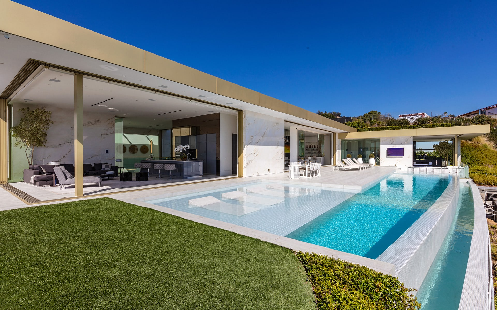 Additional photo for property listing at Opus 1175 N Hillcrest Rd Beverly Hills, Califórnia,90210 Estados Unidos