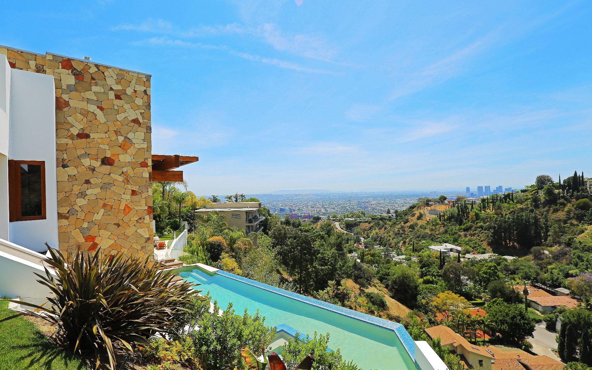 Additional photo for property listing at 1551 Viewsite Dr 1551 Viewsite Dr Los Angeles, Καλιφορνια,90069 Ηνωμενεσ Πολιτειεσ