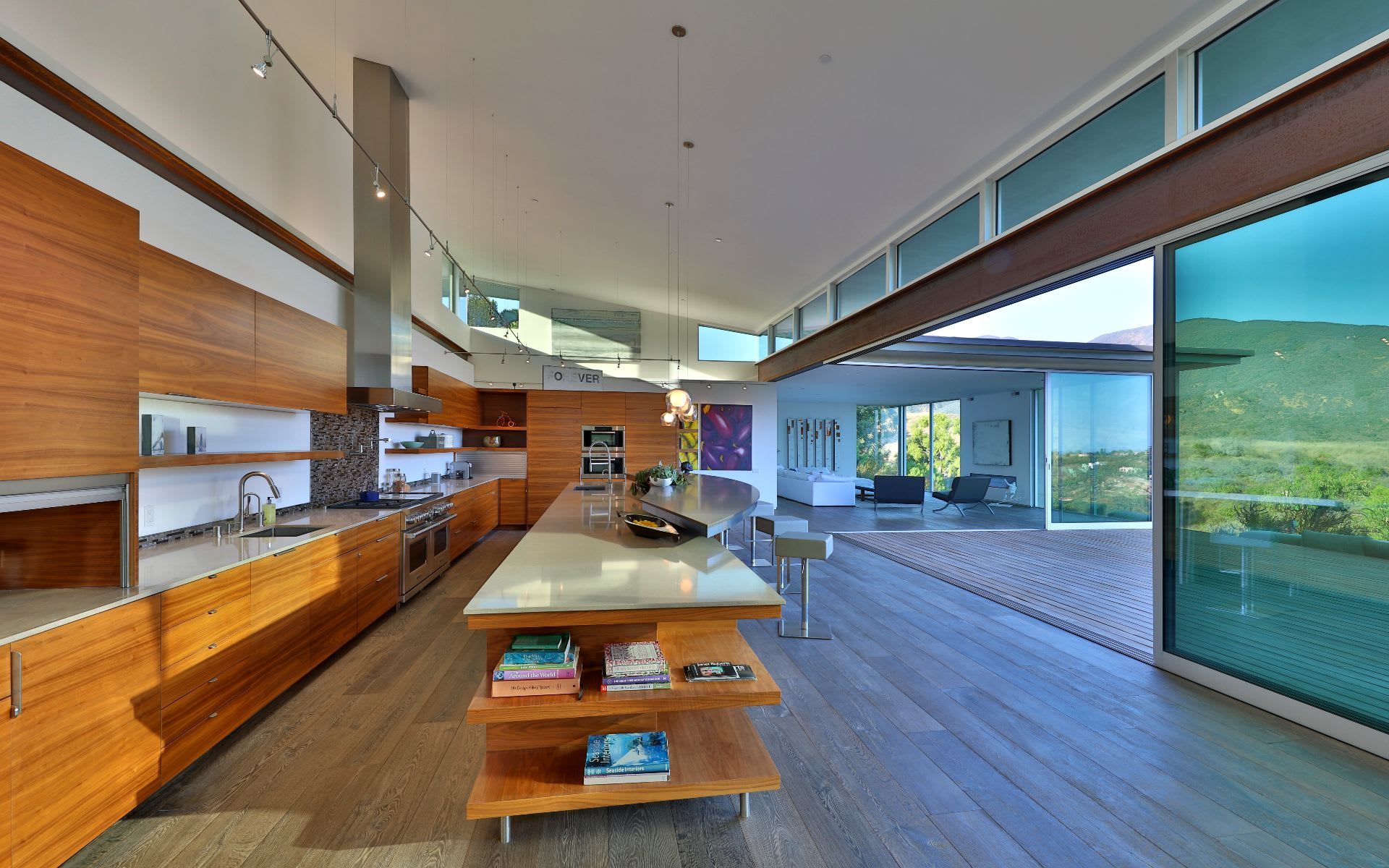 Additional photo for property listing at 5664 Calpine Dr 5664 Calpine Dr Malibu, Califórnia,90265 Estados Unidos