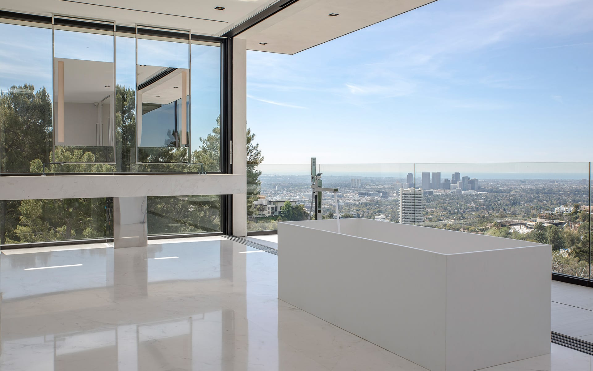Additional photo for property listing at 1677 N Doheny Dr 1677 N Doheny Dr Los Angeles, Калифорния,90069 Соединенные Штаты