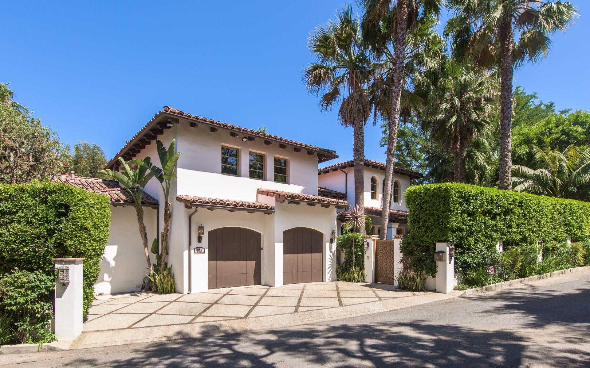 Maison unifamiliale pour l Vente à 475 Halvern Dr 475 Halvern Dr Los Angeles, Californie,90049 États-Unis