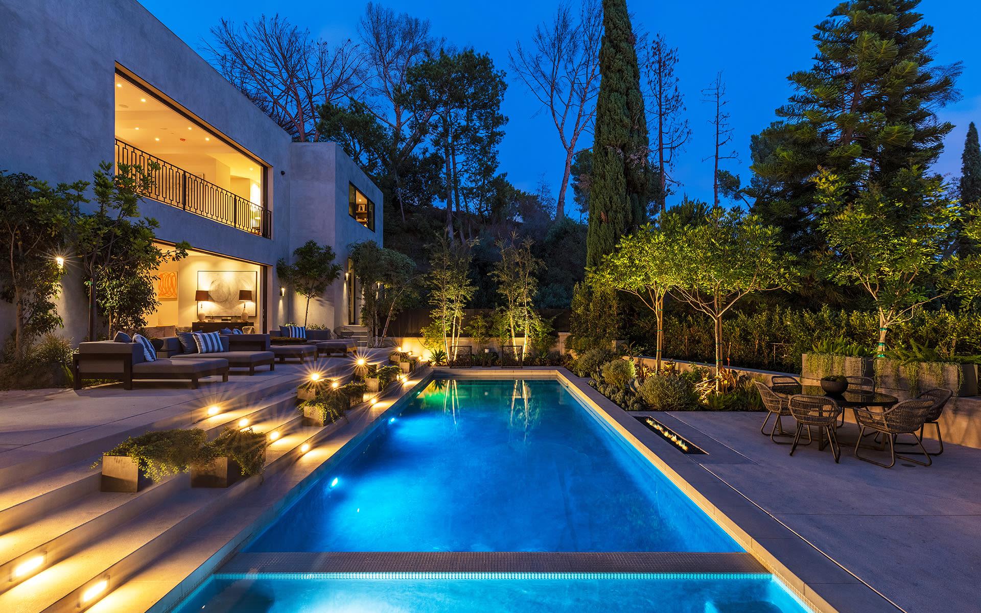 Maison unifamiliale pour l Vente à 1317 Delresto Dr 1317 Delresto Dr Beverly Hills, Californie,90210 États-Unis