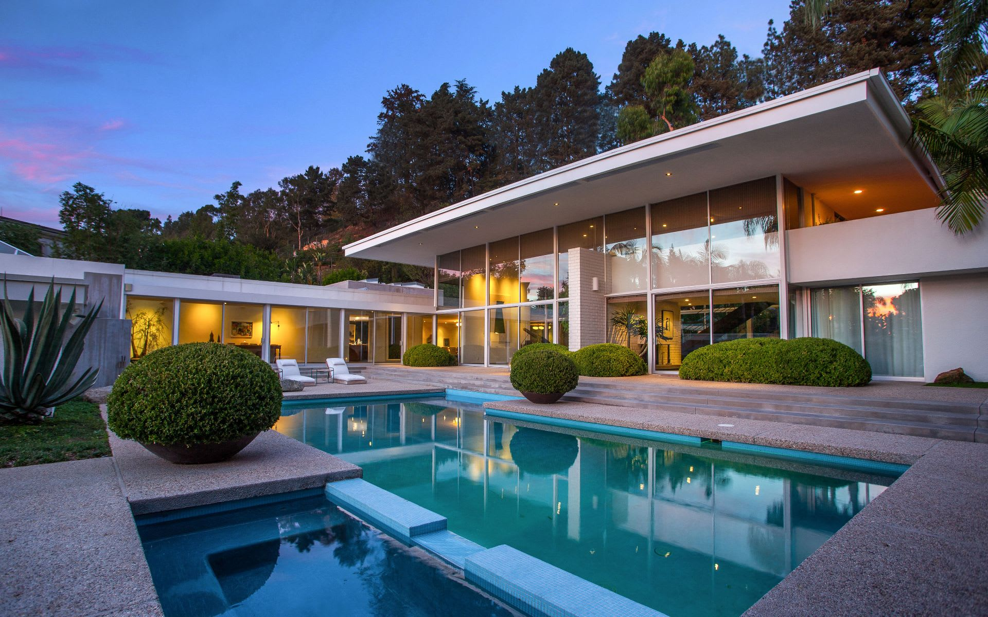 Single Family Home for Sale at 400 Castle Pl 400 Castle Pl Beverly Hills, California,90210 United States