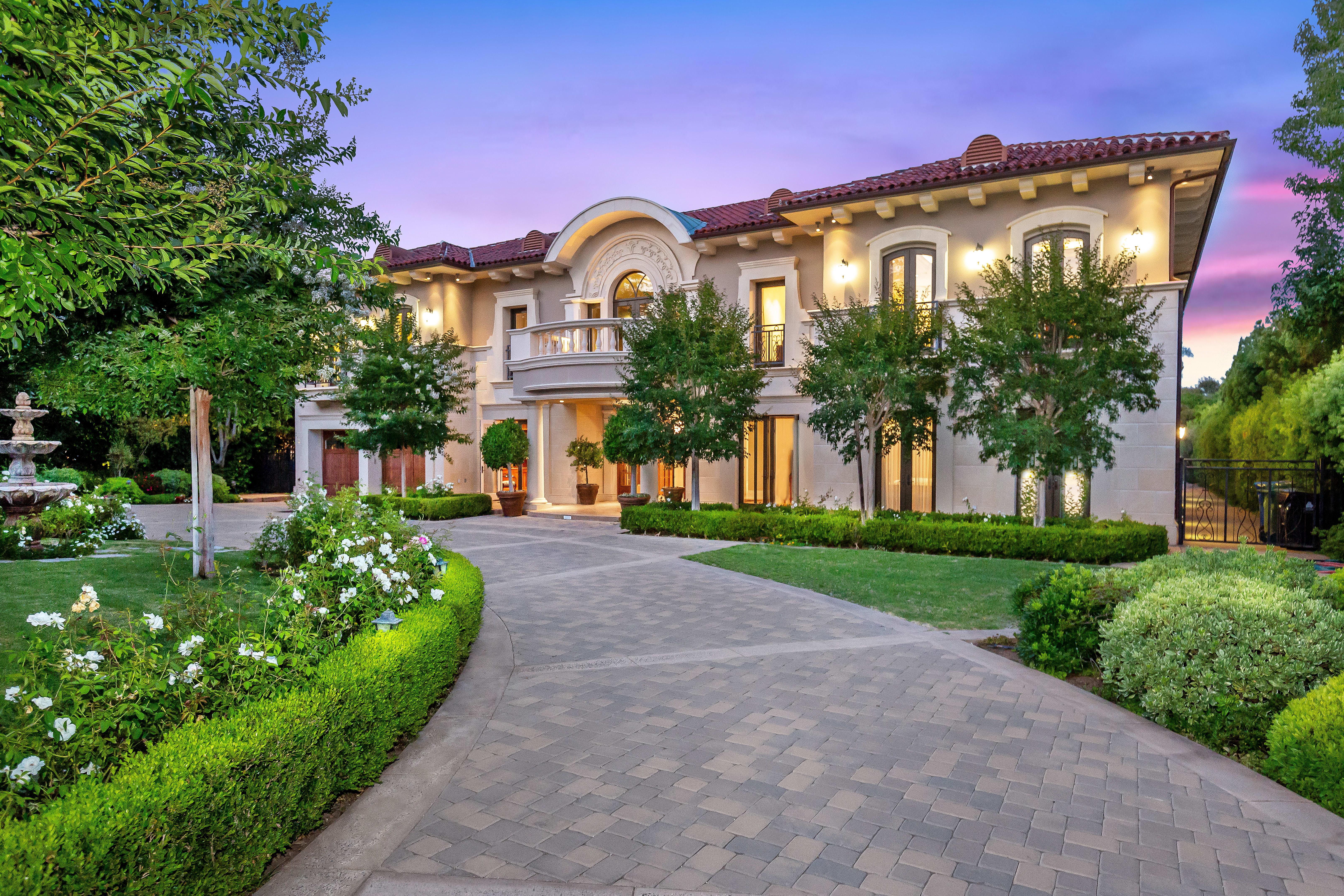bjorn farrugia at hilton  u0026 hyland real estate