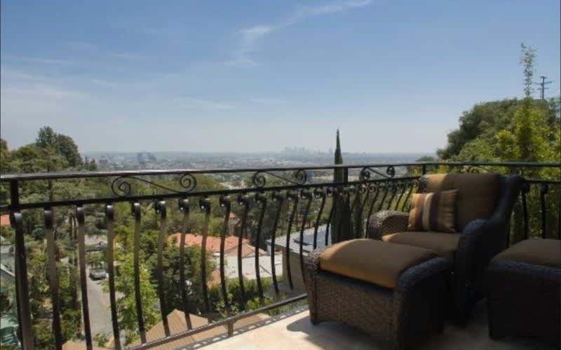 Maison unifamiliale pour l Vente à 1650 Marlay Dr 1650 Marlay Dr Los Angeles, Californie,90069 États-Unis