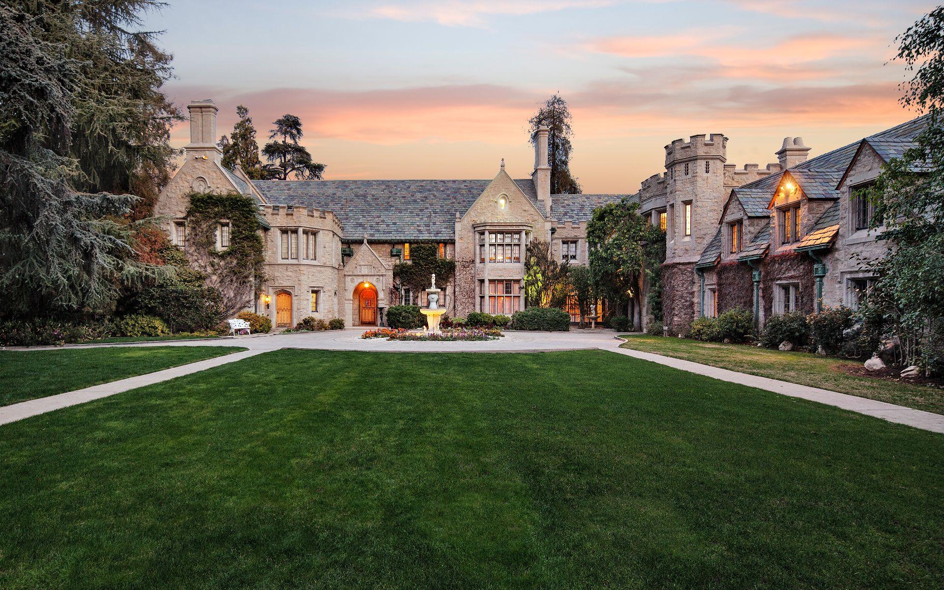 Strange Hilton Hyland Beverly Hills Real Estate Agents Download Free Architecture Designs Sospemadebymaigaardcom