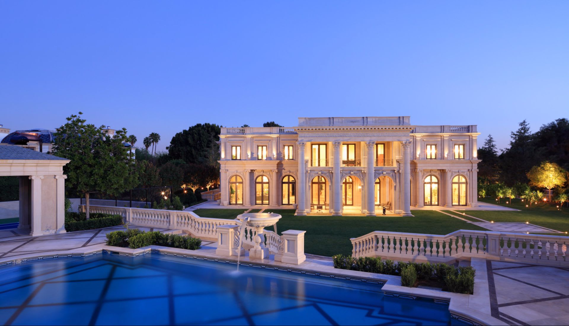 Jade Mills Beverly Hills Real Estate Agent Luxury Homes Bel Air - Luxury-property-in-brentwood-park-beverly-hills