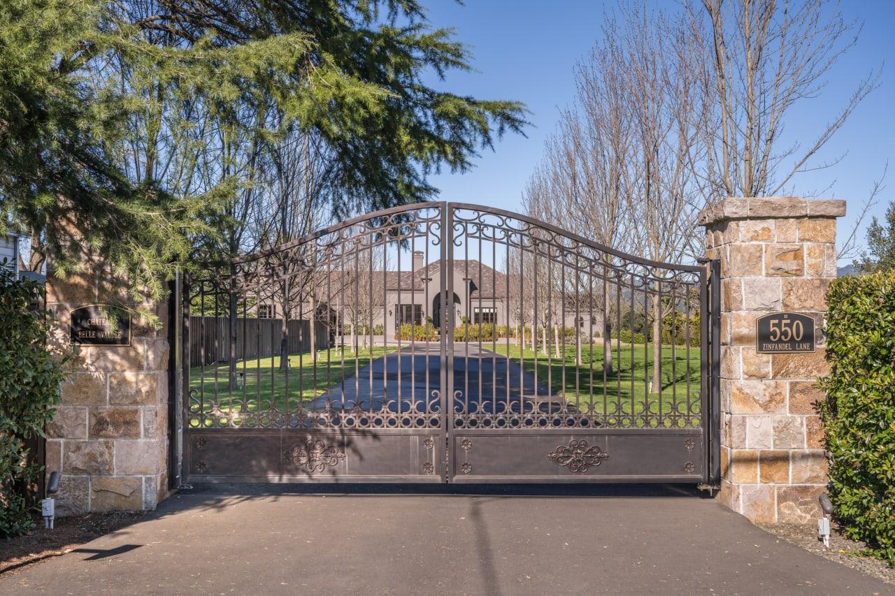 Sold   St. Helena Vineyard View Estate