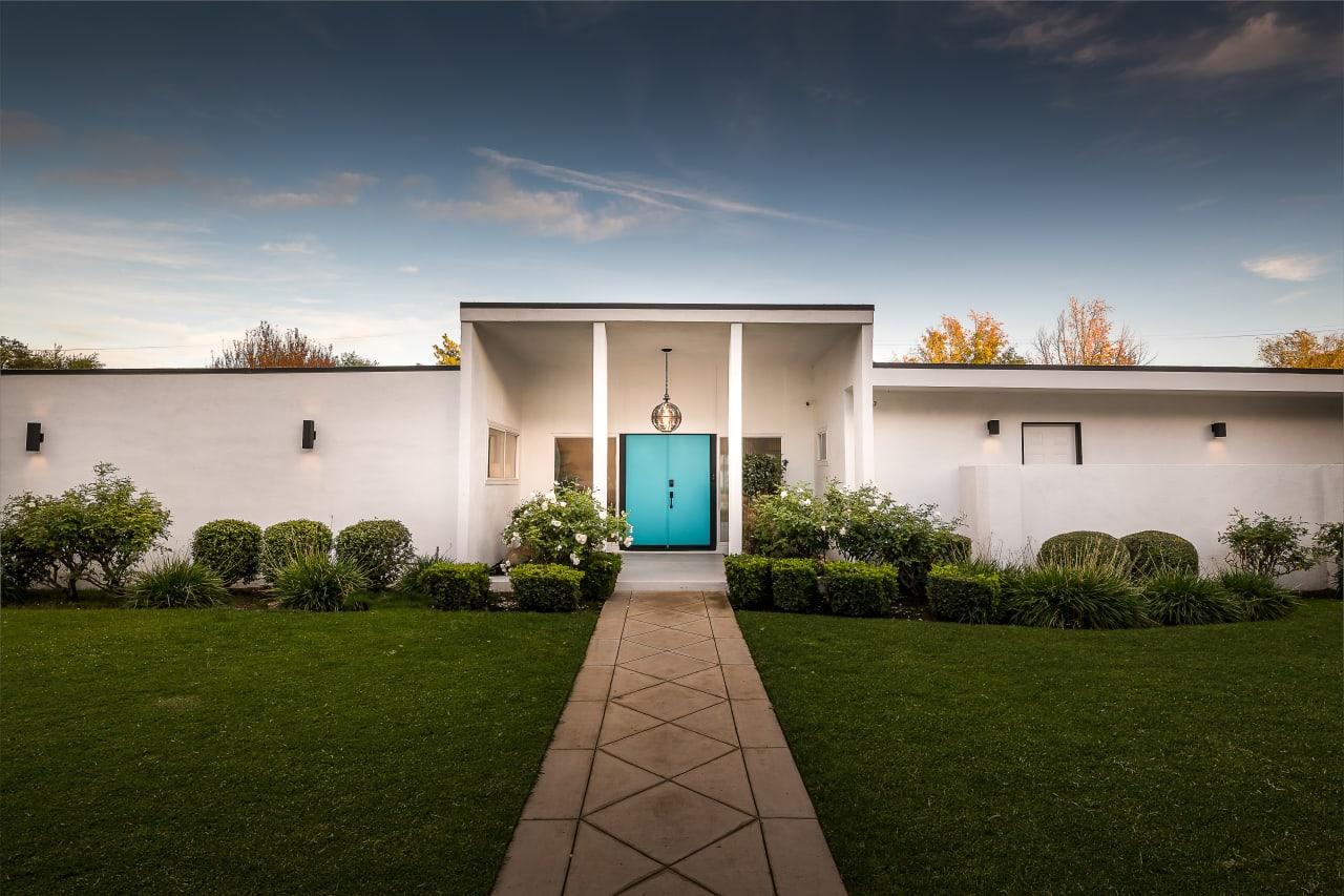 Mid-Century Smart Home in Woodland Hills