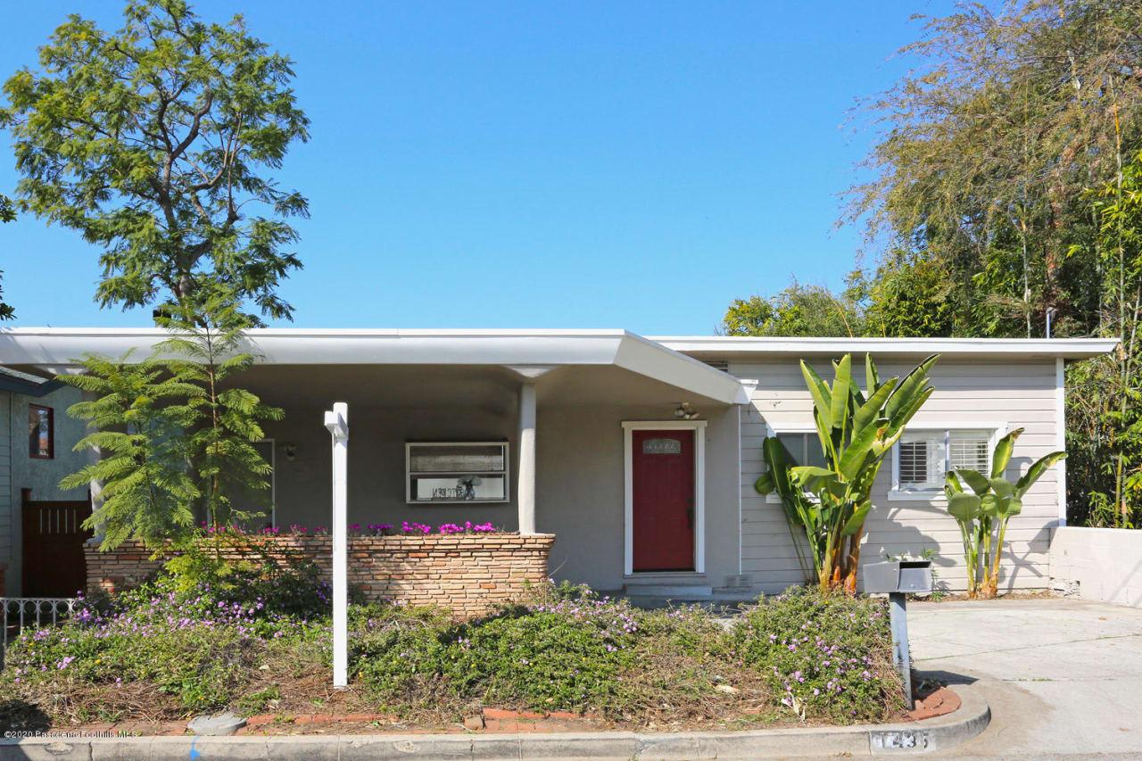 1435 Oak Crest Avenue