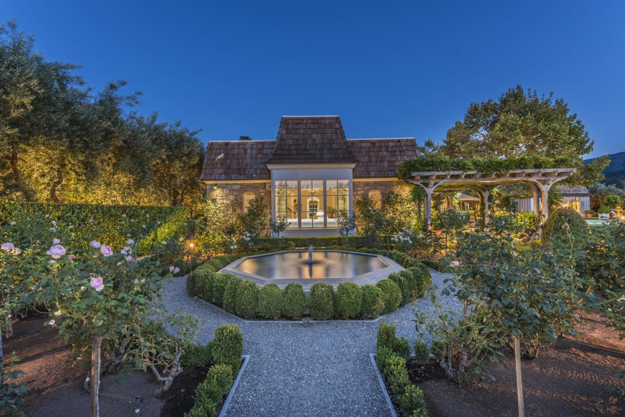 6 Landscaping and Gardening Tips for Your Napa or Sonoma Home