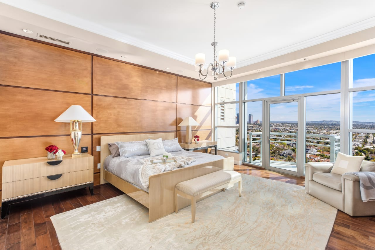 The Condominium With The Best Views On The Wilshire Corridor