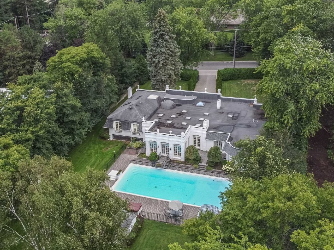 Prestigious Bridle Path Estate