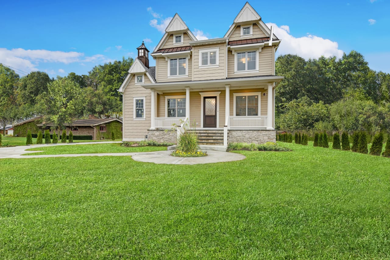 This beautiful Western Springs estate, located in coveted Forest Hills, is spectacular.