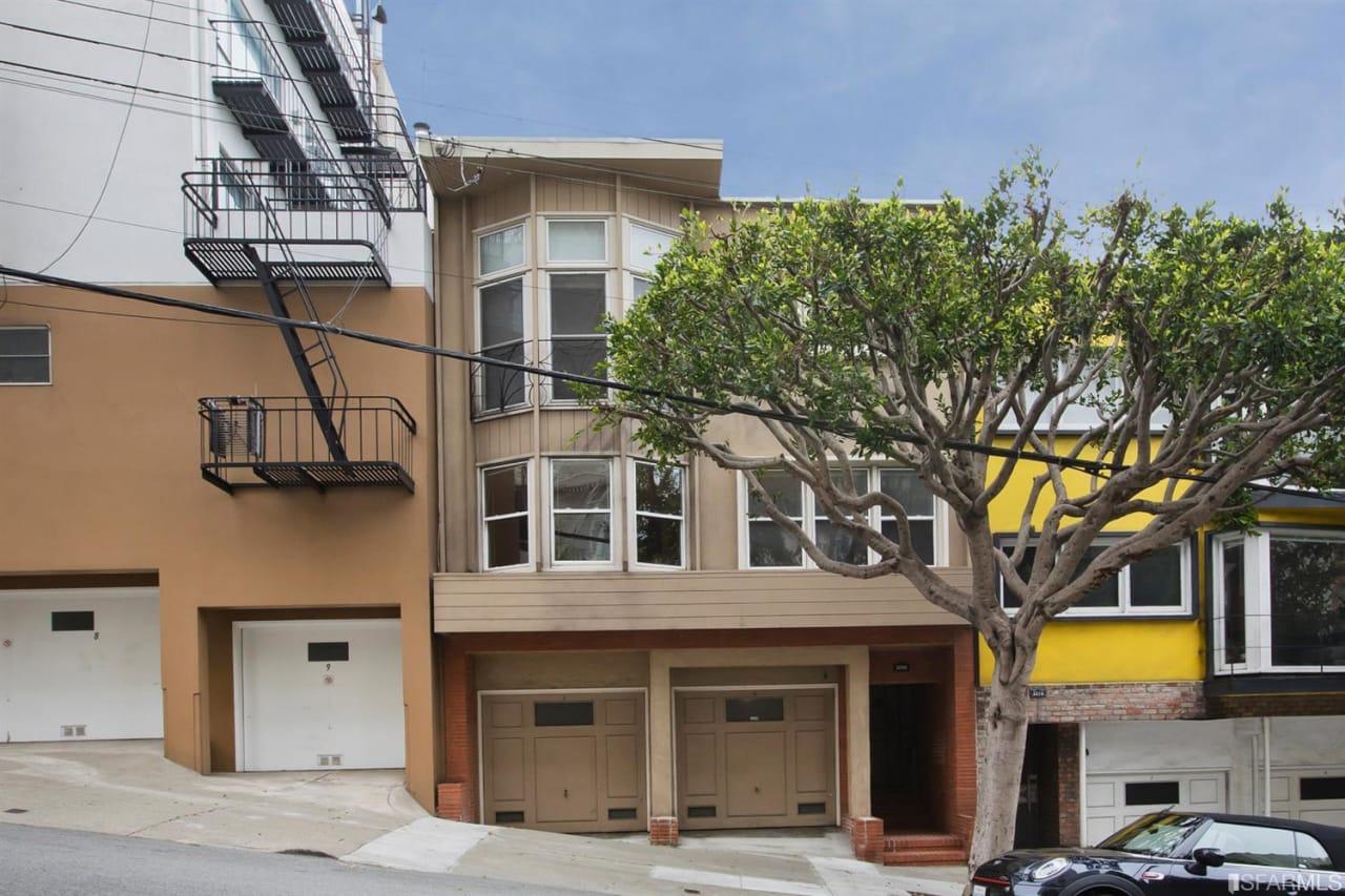 2209 Gough St, San Francisco, CA  94109