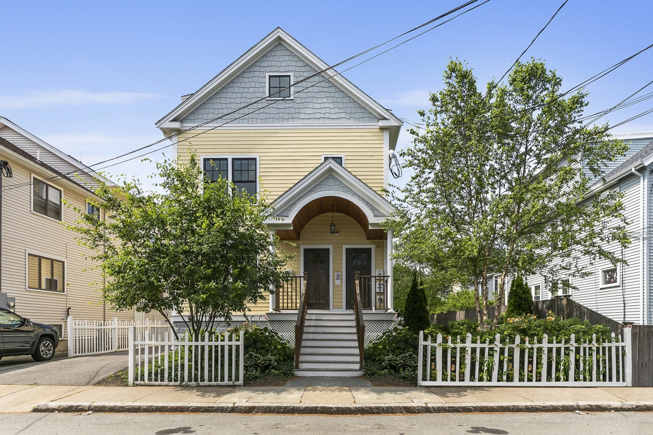 31 Clyde Street Unit 2, Somerville—2+ bedroom condo