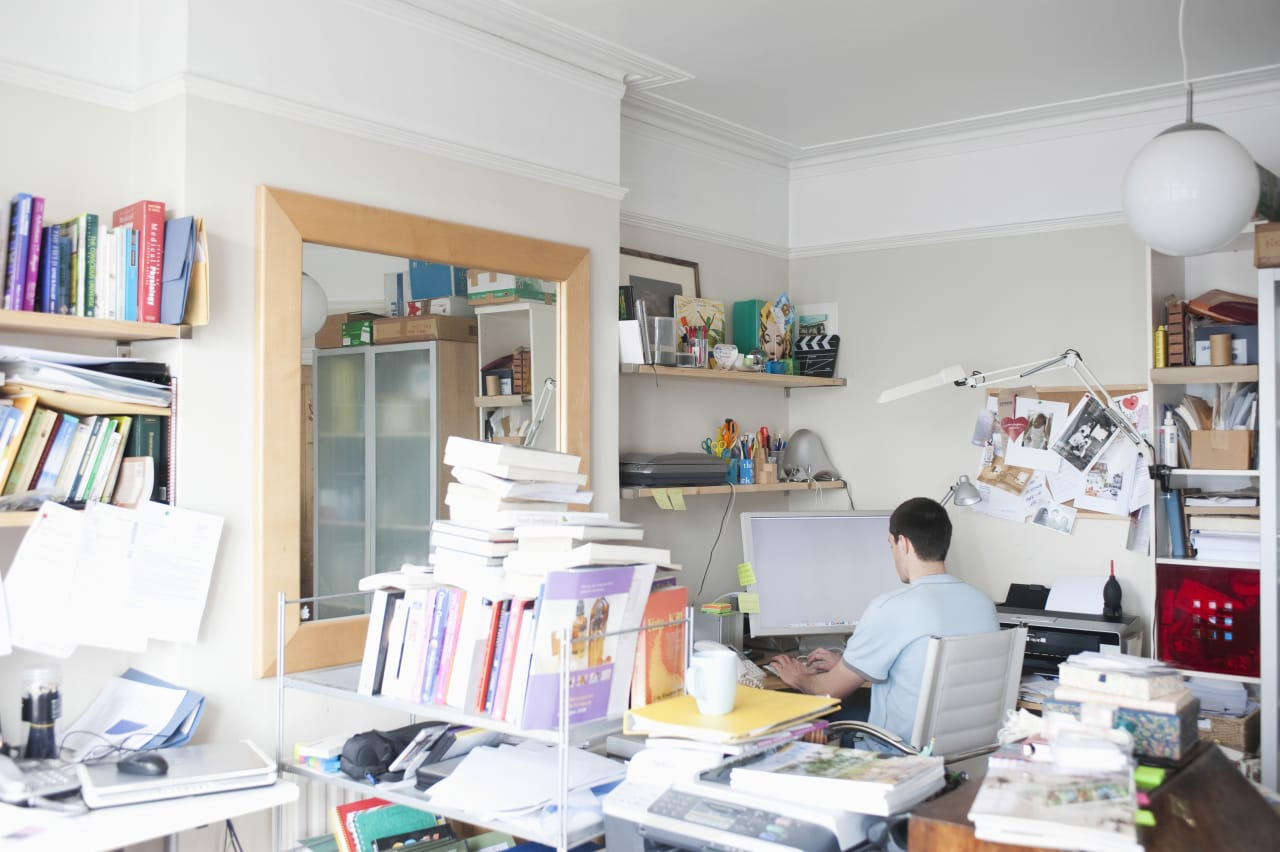 10 Tips On How To De-clutter Your Home Office!