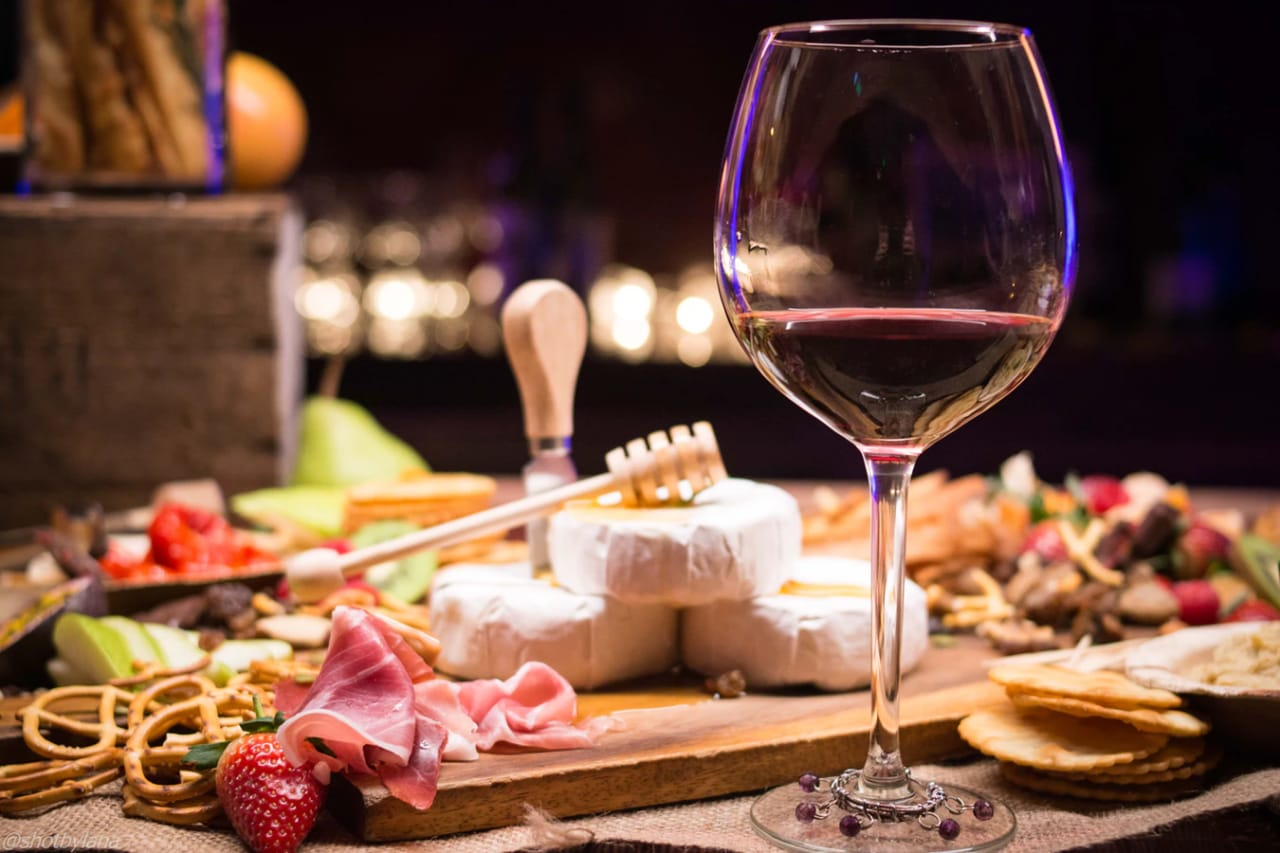 5 Best Wines for Date Night