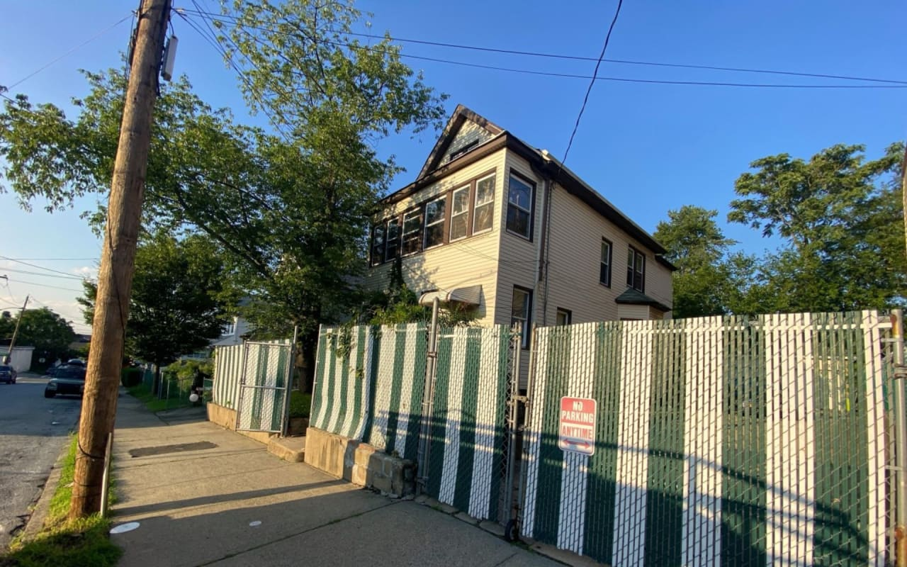 161 Campbell Ave