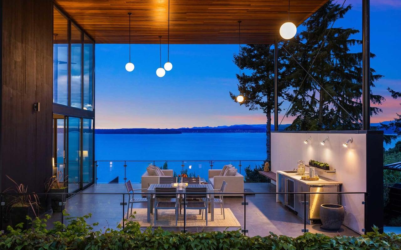 A Modern Sanctuary with Awe-Inspiring Views