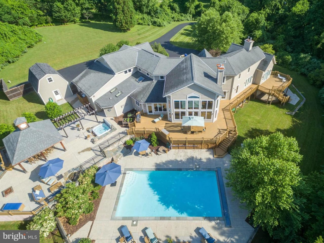207 Donmore Dr